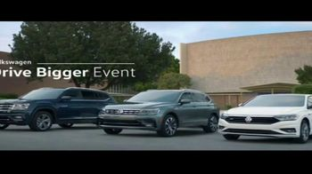 Volkswagen Drive Bigger Event TV Spot, 'Drop Off' [T2] - Thumbnail 8