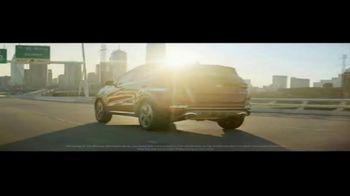 Kia Summer Clearance Event TV Spot, 'Working Hard' [T2] - Thumbnail 3