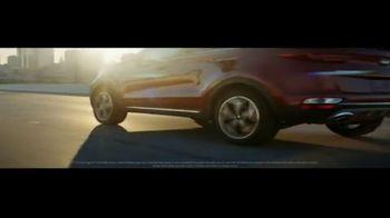 Kia Summer Clearance Event TV Spot, 'Working Hard' [T2] - Thumbnail 4