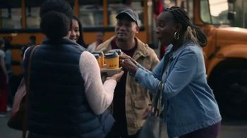 McDonald's McCafé Coffee TV Spot, 'Haciendo algo bueno' [Spanish] - Thumbnail 1