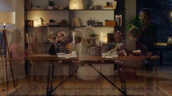 Amazon Prime TV Spot, 'Room to Entertain' Song by Jeffrey Osborne - Thumbnail 5