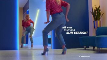 Old Navy High-Rise Slim Straight Jeans TV Spot, 'Reunion: 50 Percent: Adults & Kids' - Thumbnail 2