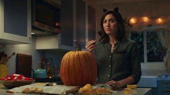 KitKat TV Spot, 'Jack-O'-Lantern' - Thumbnail 9