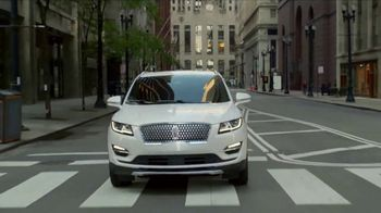 2019 Lincoln MKC TV Spot, 'Waze World Features: Weekend Mix' Song by Justin Jay [T2]