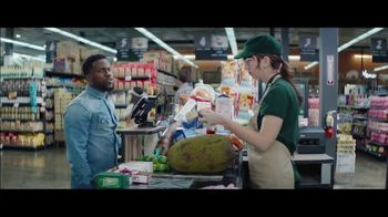 Chase Freedom Unlimited Card TV Spot, 'Earning on Everything' Featuring Kevin Hart - Thumbnail 5
