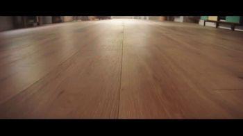 Lumber Liquidators Fall Flooring Kickoff TV Spot, 'Bellawood Distressed Oak' - Thumbnail 1