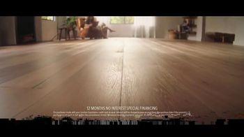 Lumber Liquidators Fall Flooring Kickoff TV Spot, 'Bellawood Distressed Oak' - Thumbnail 4