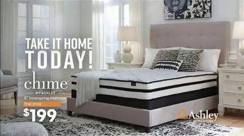 Ashley HomeStore End of Season Mattress Sale TV Spot, 'Chime Mattress' Song by Midnight Riot - Thumbnail 4