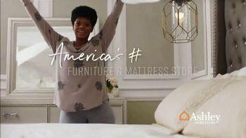 Ashley HomeStore End of Season Mattress Sale TV Spot, 'Chime Mattress' Song by Midnight Riot - Thumbnail 8