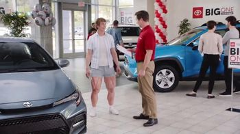Toyota Big One Sales Event TV Spot, 'Easy: Leg Day' [T2] - Thumbnail 4