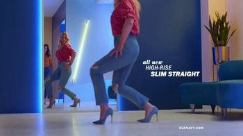 Old Navy High-Rise Slim Straight Jeans TV Spot, 'Reunion' Featuring Busy Philipps - Thumbnail 3