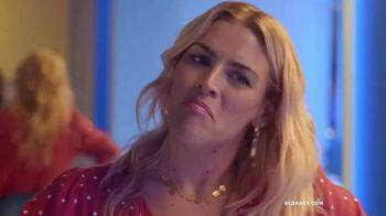 Old Navy High-Rise Slim Straight Jeans TV Spot, 'Reunion' Featuring Busy Philipps - Thumbnail 5