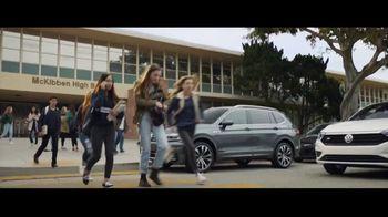 Volkswagen Drive Bigger Event TV Spot, 'Pick Up' [T1] - Thumbnail 1