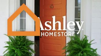 Ashley HomeStore Black Friday in July TV Spot, 'Sofa Chaise, Queen Bed and Power Reclining Sofa' - Thumbnail 2