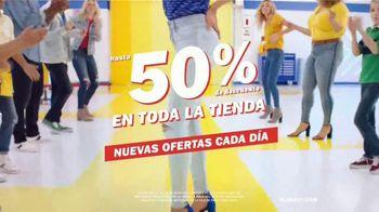 Old Navy TV Spot, 'Garaje: descuentos en toda la tienda' canción de Kaskade  [Spanish] - Thumbnail 3