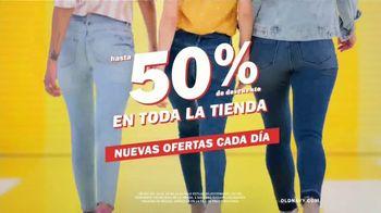 Old Navy TV Spot, 'Garaje: descuentos en toda la tienda' canción de Kaskade  [Spanish] - Thumbnail 4
