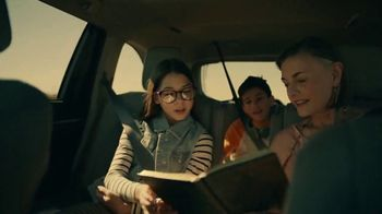 2019 Toyota Highlander TV Spot, 'Best Seats in the House' [T2] - Thumbnail 4