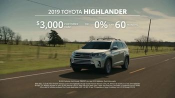 2019 Toyota Highlander TV Spot, 'Best Seats in the House' [T2] - Thumbnail 9