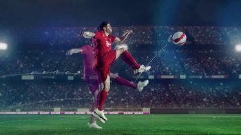 Qatar Airways TV Spot, 'All Together FC Bayern München'