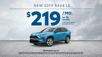 2019 Toyota RAV4 TV Spot, 'Chicago Cubs: No Limit' Featuring Javier Báez [T2] - Thumbnail 7