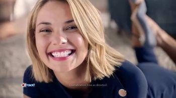 Crest 3D Whitestrips TV Spot, 'Choice of Beauty Editors' - Thumbnail 5