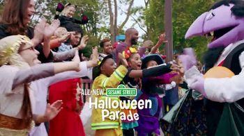 SeaWorld Halloween Spooktacular TV Spot, '2020 Fun Card' - Thumbnail 4