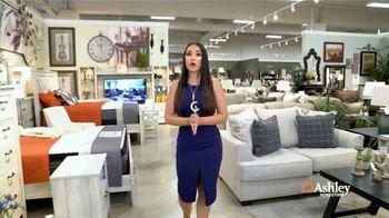 Ashley HomeStore Gran Venta del Día del Trabajo TV Spot, 'Ahorra en toda la tienda' [Spanish]