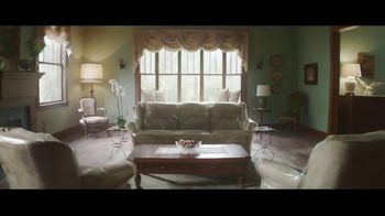 Lumber Liquidators Fall Flooring Kickoff TV Spot, 'Off Limits Room' - Thumbnail 2