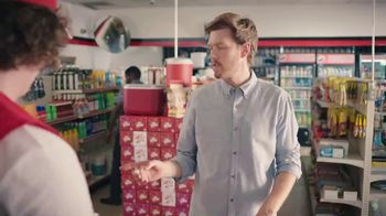 Yahoo! Sports Daily Fantasy TV Spot, 'Convenience Store'