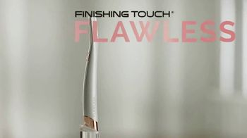 Finishing Touch Flawless Dermaplane Glo TV Spot, 'Are You Dermaplaning Yet?'