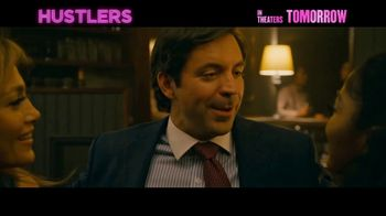 Hustlers - Alternate Trailer 32