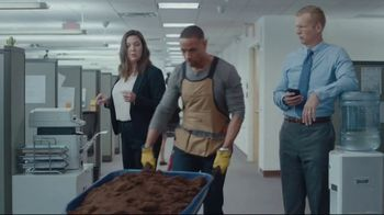Lowe's TV Spot, 'All Season Long: Greenhouse' Featuring Rodney Harrison, Chris Simms - Thumbnail 2