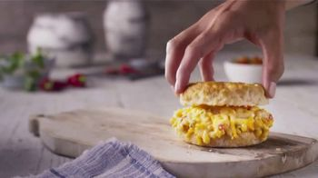 Bojangles' Pimento Cheese Biscuit TV Spot, 'Try It Today' - Thumbnail 4