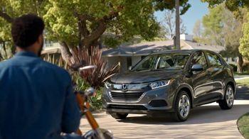 2019 Honda HR-V TV Spot, 'Brotherhood' [T1] - Thumbnail 8