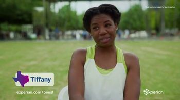 Experian Boost TV Spot, 'Everything Is Bigger in Texas: Mike, Tiffany and Veronica' - Thumbnail 4