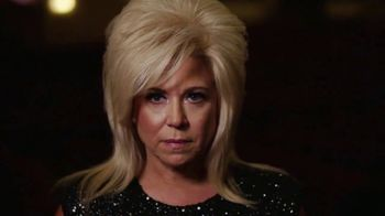 Theresa Caputo The Experience Live TV Spot, '2019 Dallas: The Toyota Music Factory' - Thumbnail 2