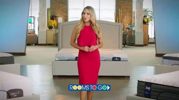 Rooms to Go TV Spot, 'Día del trabajo: cambia tu forma de dormir' con Ximena Córdoba [Spanish] - Thumbnail 2