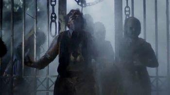 Busch Gardens Howl-O-Scream TV Spot, 'All Hell is Breaking Loose' - Thumbnail 5