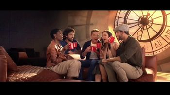 Nescafe Clásico TV Spot, 'Stopping to Keep Going' con Ricky Martin [Spanish] - Thumbnail 6