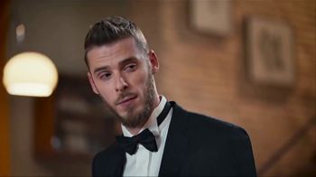 Lay's TV Spot, 'UEFA Champions League: Sneaky' Featuring Lionel Messi and David de Gea - Thumbnail 6