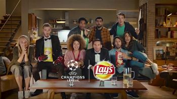 Lay's TV Spot, 'UEFA Champions League: Sneaky' Featuring Lionel Messi and David de Gea - Thumbnail 8