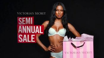 Victoria's Secret Semi-Annual Sale TV Spot, 'Steal the Show' - Thumbnail 2