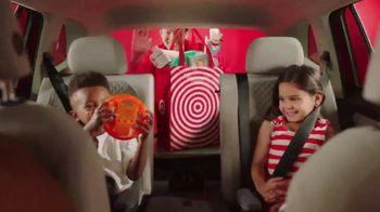 Target Drive Up TV Spot, 'Verano' canción de Carlos Vives [Spanish] - Thumbnail 6