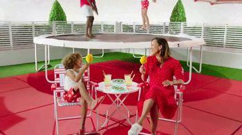 Target Drive Up TV Spot, 'Verano' canción de Carlos Vives [Spanish] - Thumbnail 9