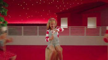 Target TV Spot, 'Verano: servicios' canción de Carlos Vives [Spanish] - Thumbnail 6