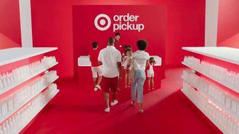 Target TV Spot, 'Verano: servicios' canción de Carlos Vives [Spanish] - Thumbnail 7