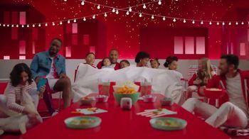 Target TV Spot, 'Verano: servicios' canción de Carlos Vives [Spanish] - Thumbnail 9