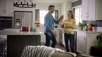 Centrum MultiGummies TV Spot, 'Specially Crafted for Men and Women 50+' - Thumbnail 7