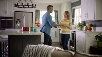 Centrum MultiGummies TV Spot, 'Specially Crafted for Men and Women 50+' - Thumbnail 8
