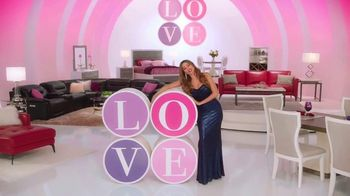 Rooms to Go TV Spot, 'Sofia Vergara Collection: Poem' Featuring Sofia Vergara - Thumbnail 6